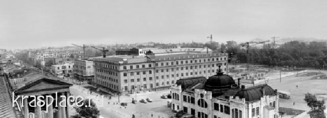 Площадь Революции 1952г