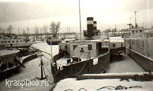 Зимовка парохода