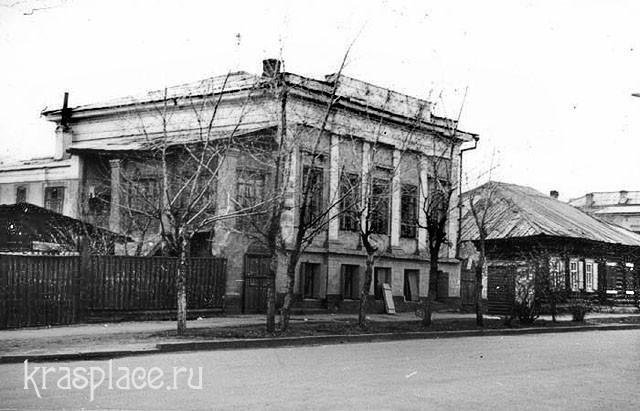 Дом Крутовских