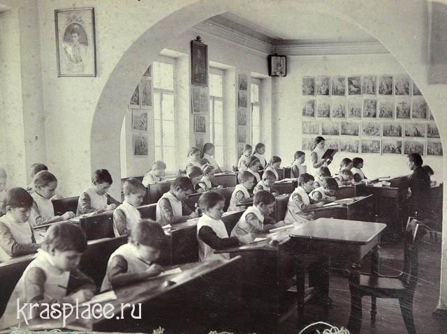 Занятия во Владимирском приюте