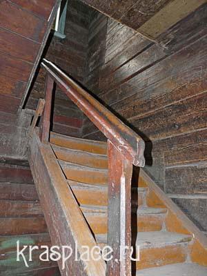 Лестница в доме врача Гланца