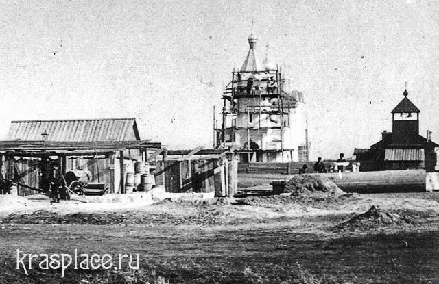 Строительство храма в Николаевской слободе. Фрагмент фото из архива ККМ