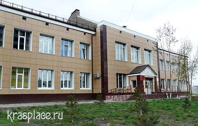 Бывшая школа на Поповом лугу