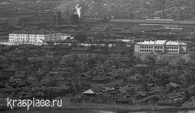 Школа и Тюремный замок на Поповом лугу. Из архива ККМ