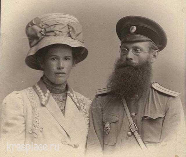 Врач П.Н.Коновалов с дочерью Евгенией