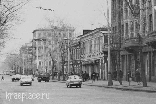 Дом Волкова, Мира, 47 1980-е гг. Из архива Е.В.Гевель