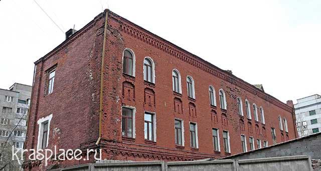 Северный и западный фасад дома Ковского