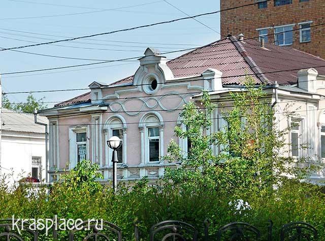 Мира, 29. Дом, в котором жил Буташевич-Петрашевский
